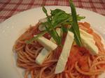 モッツァレラチーズのトマトソースのパスタ